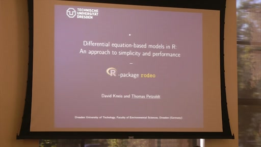 Differential equation-based models in R: An approach to simplicity and performance