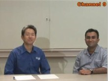 Shanku Niyogi talks various presentation technologies with Masami Suzuki